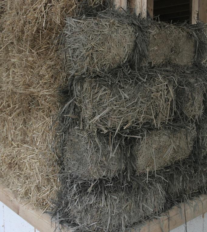 glina lekka połączona i strawbale